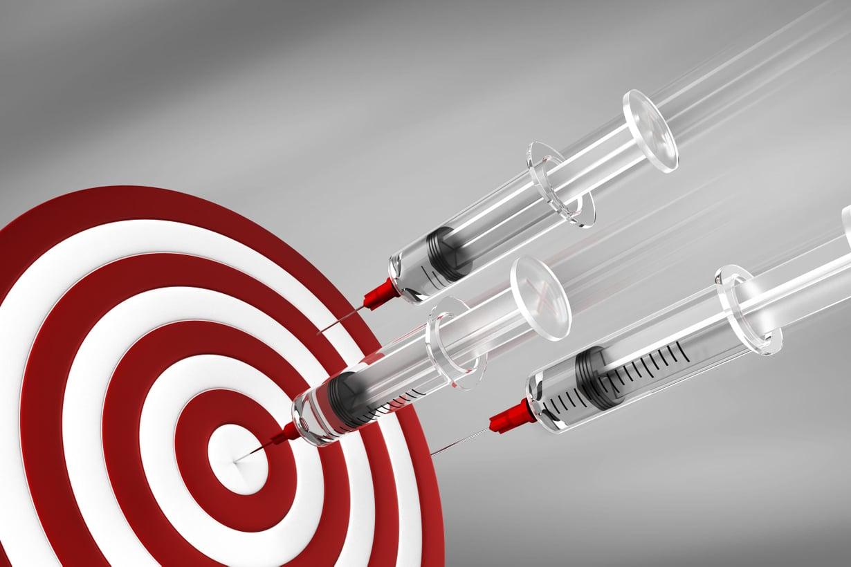 Biologisilla lääkkeillä tähdätään napakymppiin. Ne korjaavat sairauksien aiheuttamia häiriötiloja tai vievät elimistöön aineita, joita siltä puuttuu. Kuva: Shutterstock