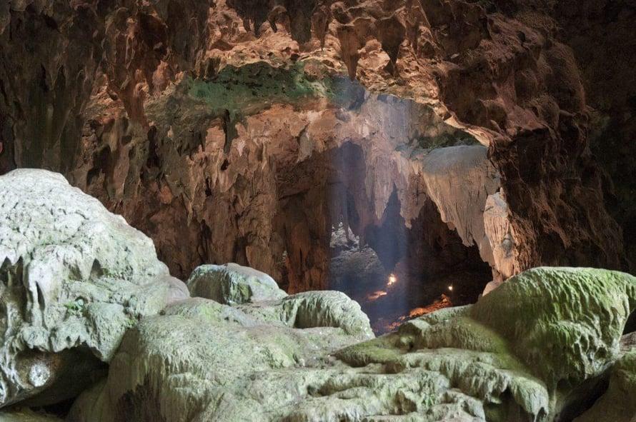 """Tästä luolasta luzoninihmiset löytyivät. Kuva: <span class=""""photographer"""">Callao Cave Archaeology Project</span>"""