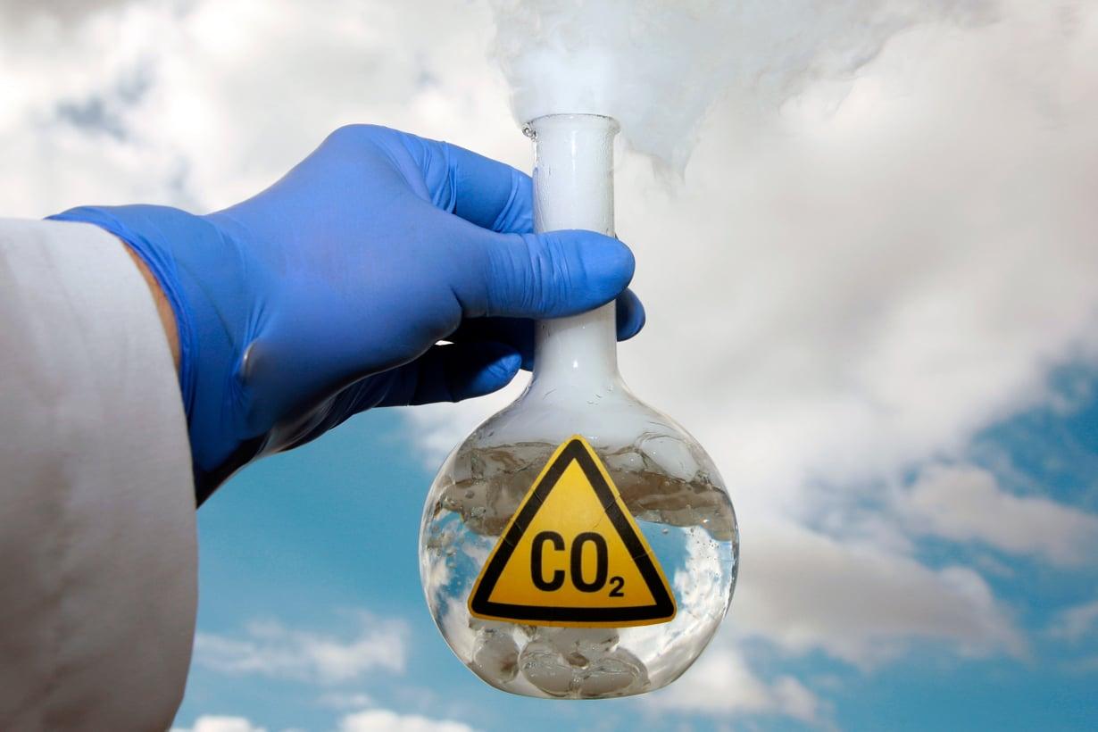 Tästä raaka-aineesta ei tule pula ihan heti. Hiilidioksidia päätyy ilmakehään 36 gigatonnia joka vuosi. Kuva: iStock