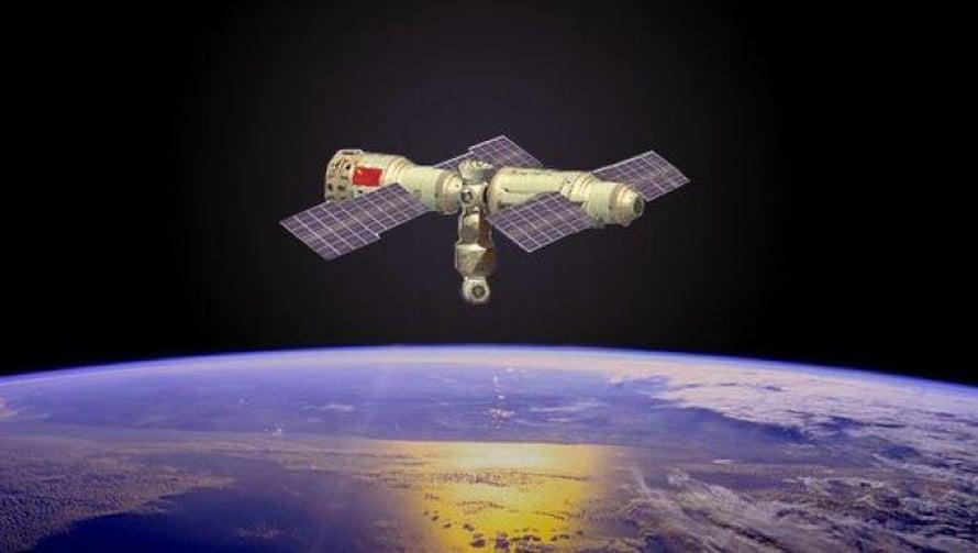 """Kiinan avaruusasema ei ole aikoihin kiertänyt Maata turvallisesti, kuten tässä taiteilijan työssä. Kuva: <span class=""""photographer"""">Kinan avaruushallinto</span>"""