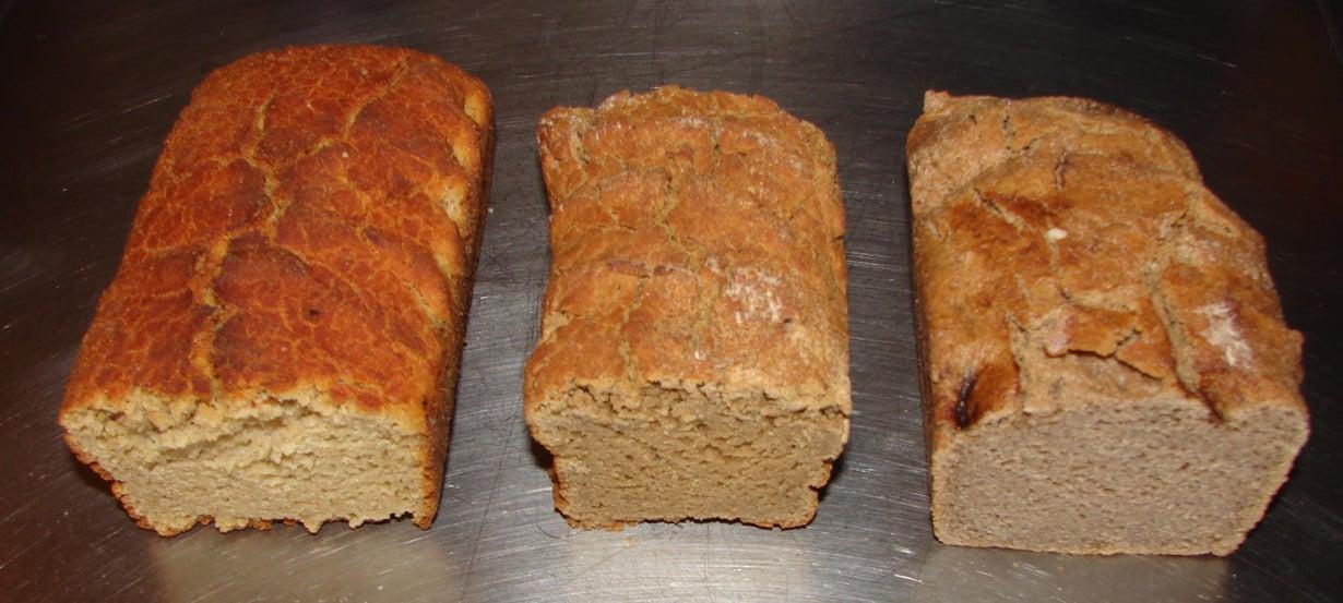 Gluteenitonta leipää suoraan uunista.