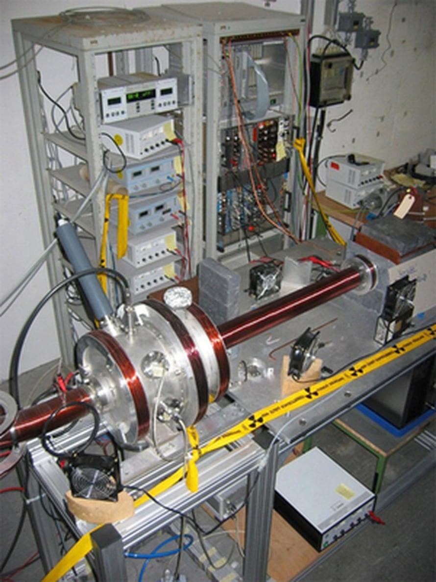 """Tällä laitteistolla mitataan positroniumin elinikää. Kuva: <span class=""""photographer"""">Max Planck Institute for Nuclear Physics</span>"""