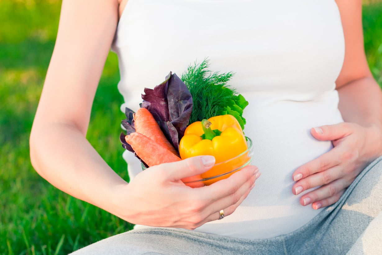 Bakteeristo alkaa muokkautua jo kohdussa. Äiti voi vaikuttaa koostumukseen syömällä terveellisesti. Kuva: Shutterstock