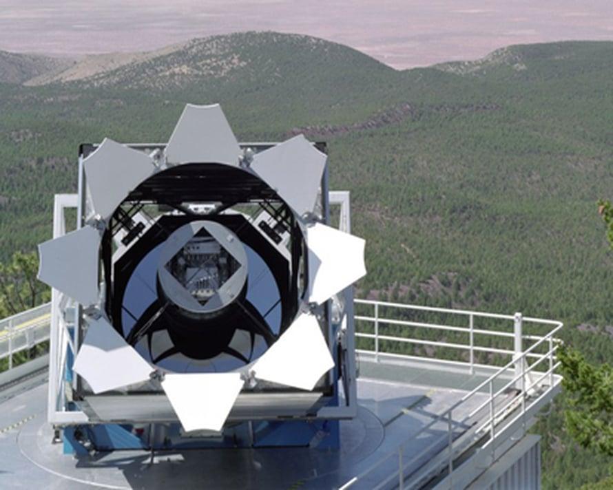 SDSS-kartoituksen kaukoputki (kuva: Fermilab Visual Media Services).