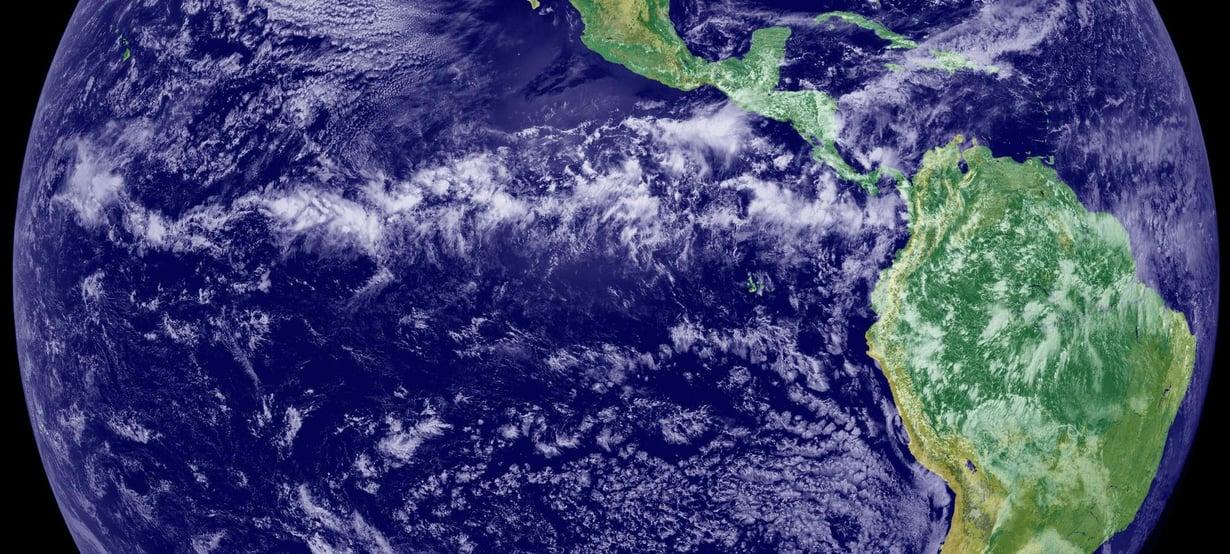 Ilmastoa voisi viilentää levittämällä rikkihiukkasia korkealle ilmakehään. Se ei kuitenkaan poista lämmittävää hiilidioksidia. Kuva: GOES Project Science Office/Nasa