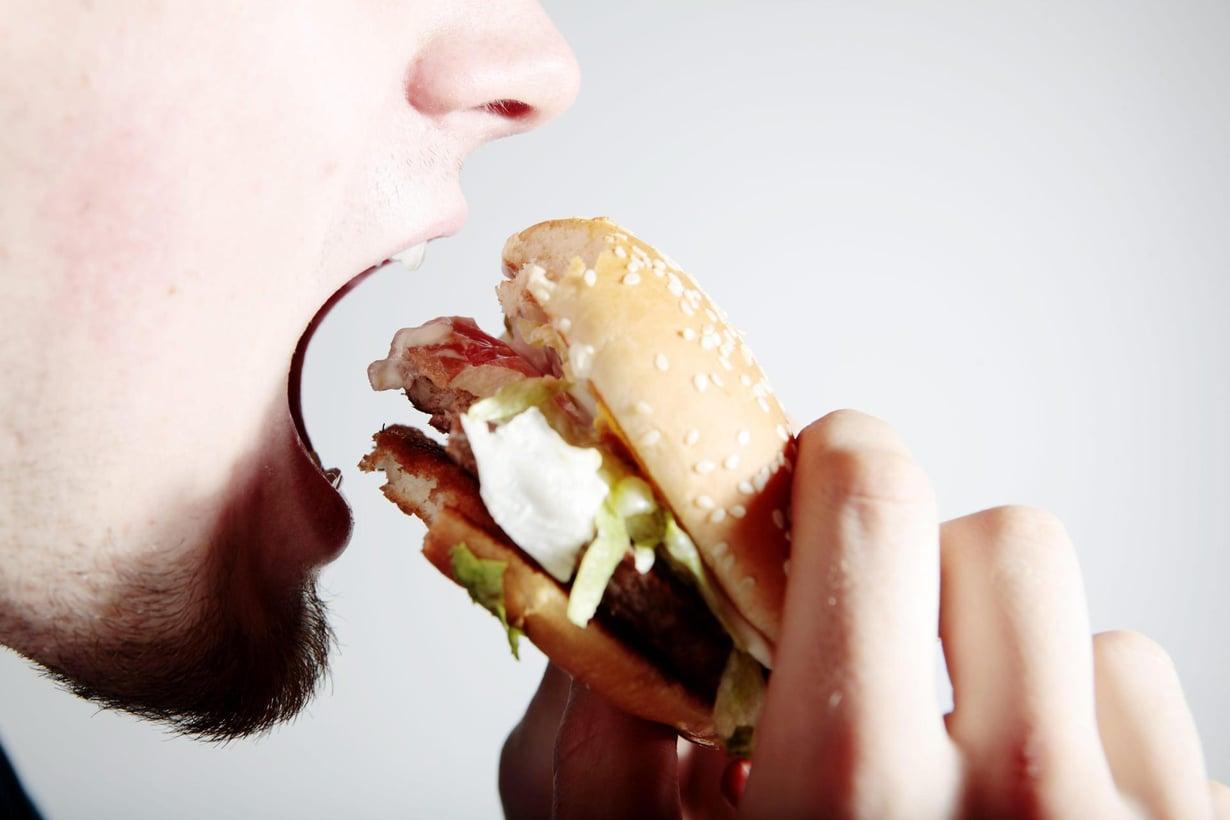 Kiertäjähermo vaikuttaa muun muassa nälän tunteeseen ja ruoansulatukseen. Kuva: Adriana Dobrin