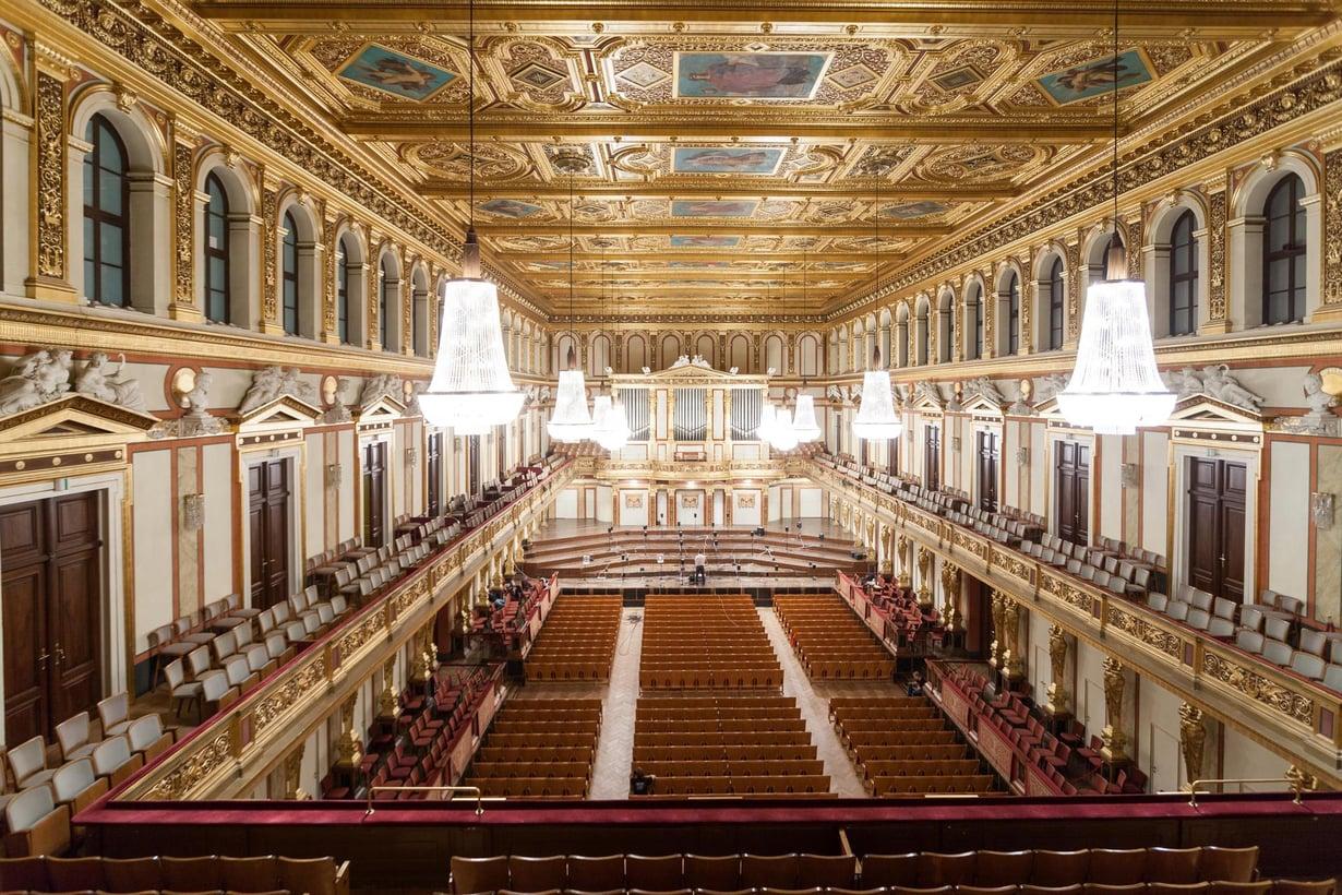 Wienin Musikvereinin sali on niin ikään kenkälaatikkomallia. Kuva: Jukka Pätynen, Aalto yliopisto