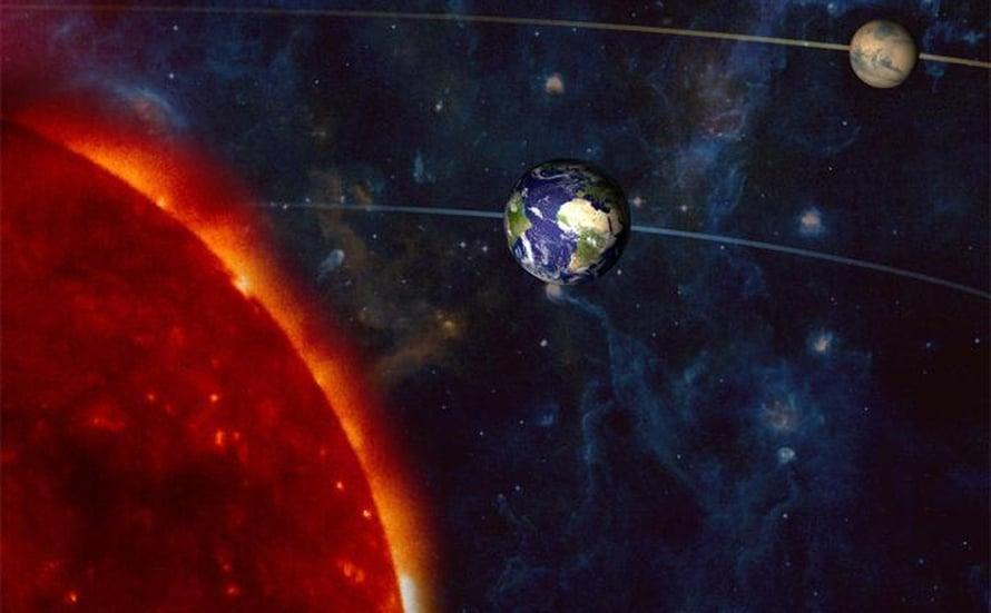 """Sunnuntaina Mars on samalla linjalla Maan ja Auringon kanssa. Kuva: <span class=""""photographer"""">Nasa</span>"""