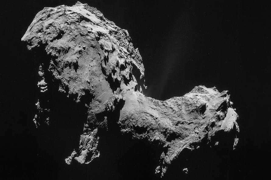 """Komeetta 67P/Churyumov-Gerasimenkon veden koostumus yllätti. Kuva: <span class=""""photographer"""">ESA/Rosetta/NAVCAM.</span>"""