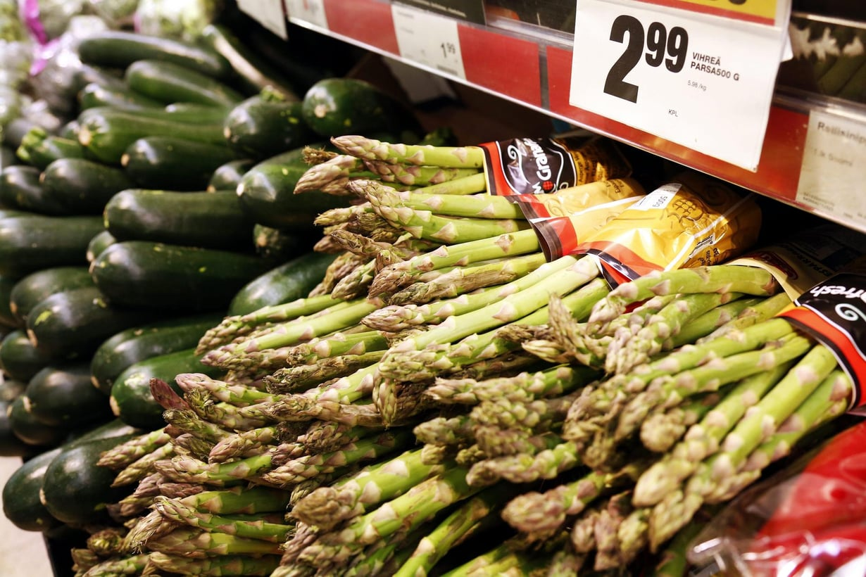 Asparagiinia on parsan lisäksi perunoissa, pähkinöissä, lihassa, kanassa, kalassa ja merieläimissä. Kuva: Sirpa Räihä
