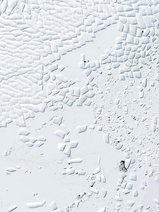 """Etelämantereen länsiosissa oleva Thwaites-jäätikön jäähylly näkyy satelliittikuvista rakennetussa kuvassa. Kuva: <span class=""""photographer"""">Knut Christianson</span>"""