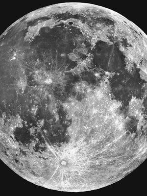 """Kuun pinnalla voi olla vettä pieninä esiintyminä pienissä kraattereissa ja painaumissa, joita on valtavasti. Kuva: <span class=""""photographer"""">Lick Observatory</span>"""