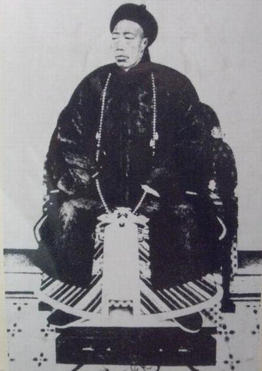 Li Lianying (1848-1911) oli kuuluisa kiinalainen eunukki.