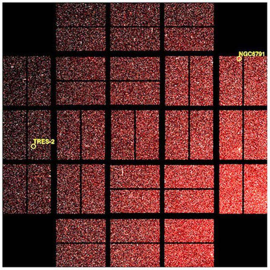 """Kepler haravoi eksoplaneettoja Joutsenen ja Lyyran tähdistöistä. Tämä kuva otettiin 8. huhtikuuta, päivä sen jälkeen, kun Keplerin suojakansi avattiin.  Kuva: <span class=""""photographer"""">NASA/Ames/JPL-Caltech</span>"""