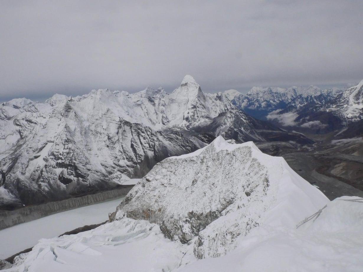 Himalaja lämpiää nopeammin kuin maapallo keskimäärin.