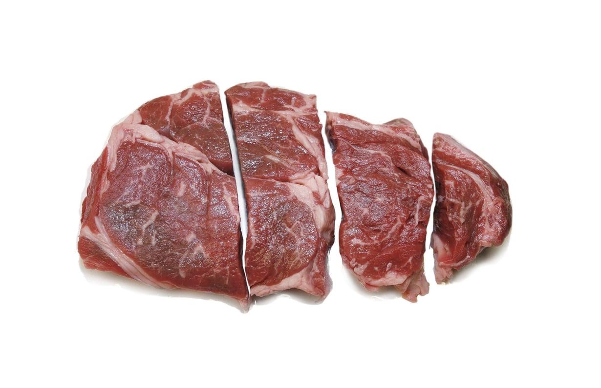Kun esivanhempamme keksivät pilkkoa lihaa pienemmäksi, pureskelupakko väheni ja aivot lähtivät kasvuun. Kuva: Kimmo Taskinen