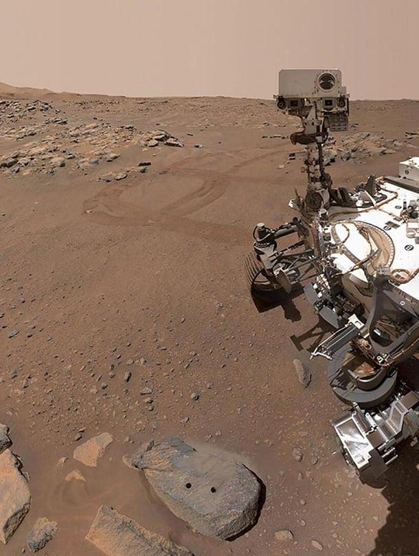 """Mönkijä kuvasi äsken itsensä. Kuva: <span class=""""photographer"""">Nasa/JPL-Caltech</span>"""
