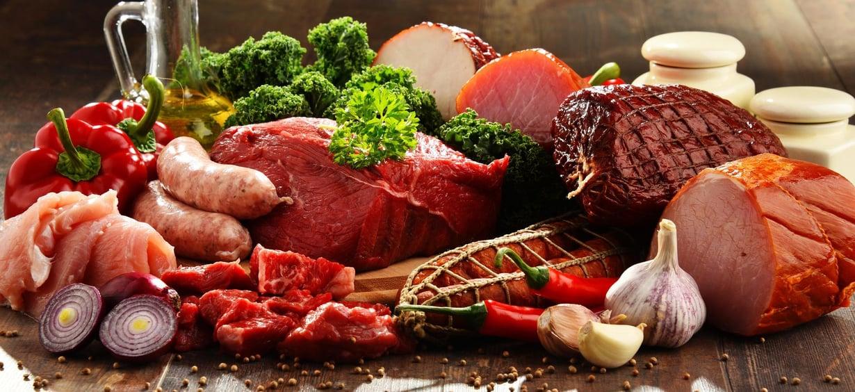 Uudet tutkimuskatsaukset lihan ja lihajalosteiden terveysriskeistä hämmentävät. Kuva: Shutterstock