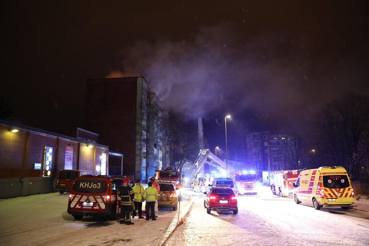 Tulipaloissa tappavat usein palokaasut, kuten häkä. Kuva: Lassi Rinne