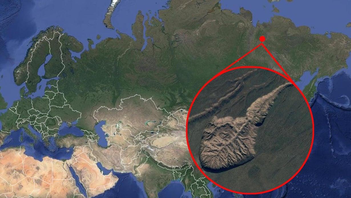 Batagaikan kraatteri Venäjän Jakutiassa on kilometrin pituinen ja yli 80 metrin syvyinen. Kuva: Google Earth