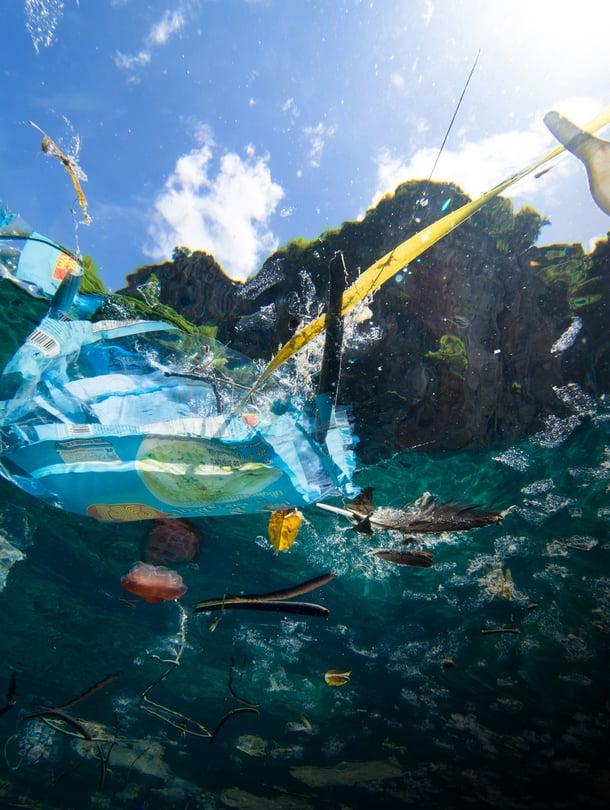 """Väite, että merissä on pian enemmän muovia kuin kalaa, havahdutti ihmiset roskaamisen laajuuteen. Kuva: <span class=""""photographer"""">Getty Images</span>"""
