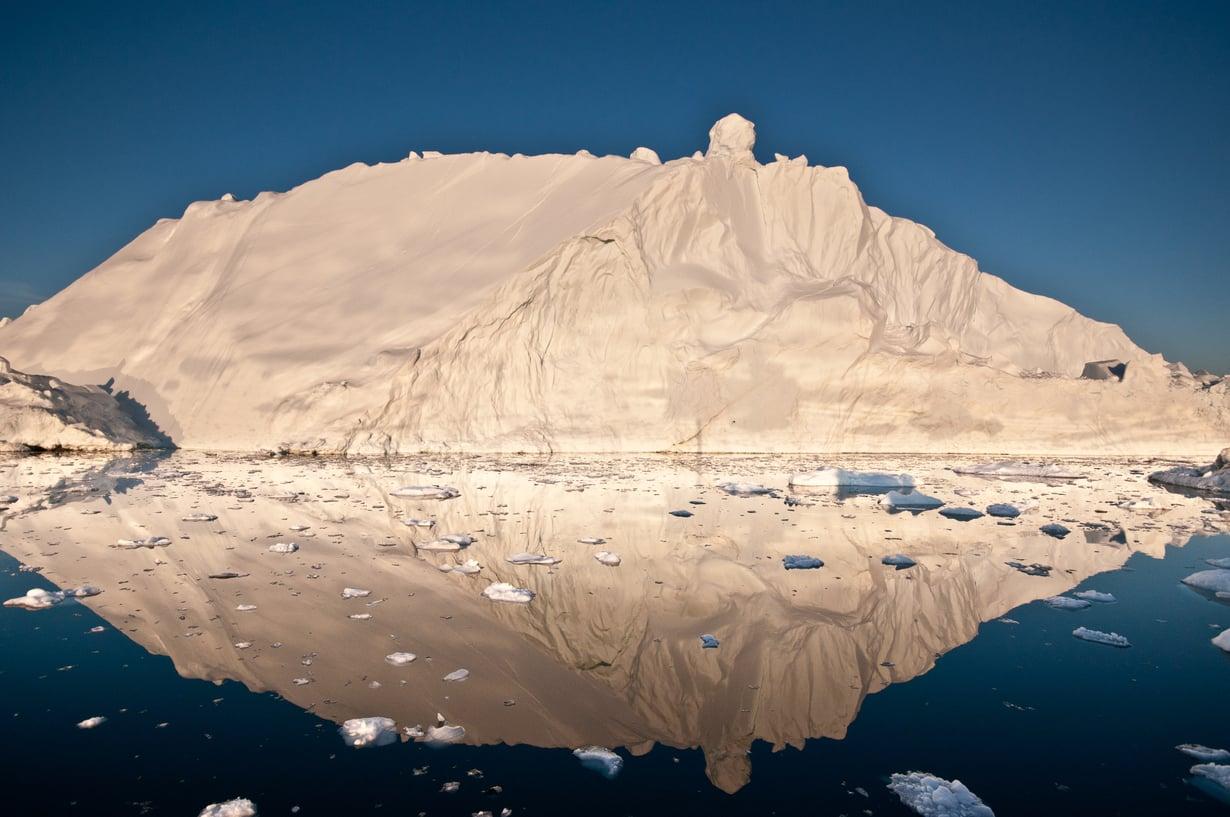 Grönlannin jäätikkö on taas yhtä jäävuorta pienempi.