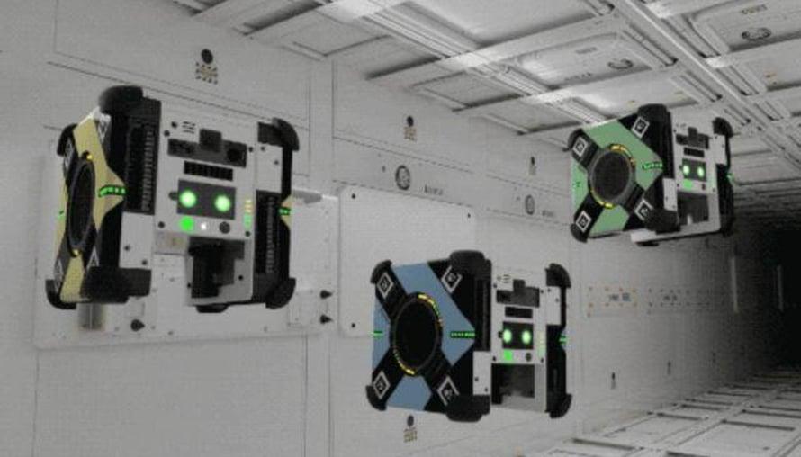 """Pörinää avaruudessa. Näitä robotteja liikuttavat tuulettimet. Kuva: <span class=""""photographer"""">Nasa</span>"""
