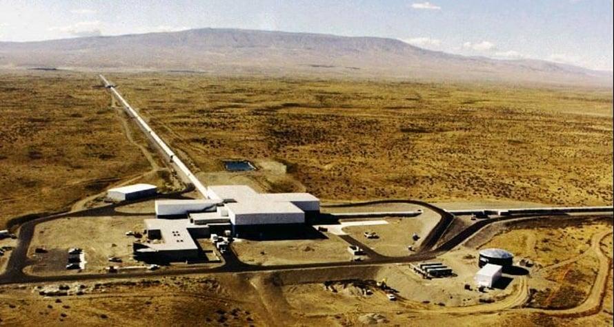 """Gravitaatioaaltoja olisi tutkijan mukaan havaittu Yhdysvalloissa valtavissa Ligo-koelaitteissa. Kuva: <span class=""""photographer"""">Nasa</span>"""