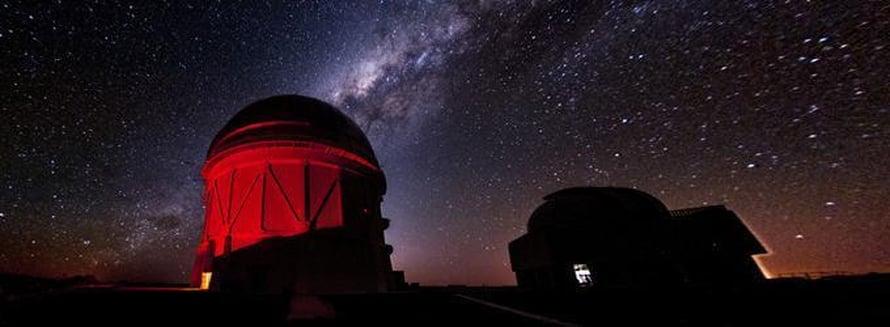 """Teleskooppeja suunnataan tulevaisuudessa nopeasti kohti gravitaatioaaltojen lähteitä. Kuva: <span class=""""photographer"""">Harvard-Smithsonian Center for Astrophysics</span>"""
