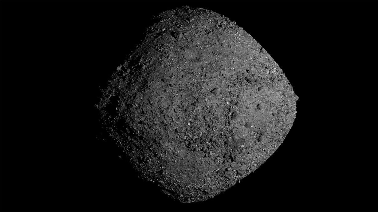 Bennu on noin 500 metriää leveä, timantin muotoinen pikkuasteroidi, joka matkaa tällä hetkellä yli 300 miljoonan kilometrin päässä Maasta. Kuva: Nasa