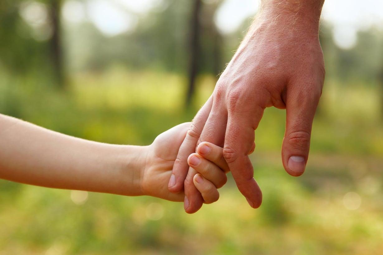 Isien ikävät kokemukset ulottuvat pitkälle. Kuva: Shutterstock