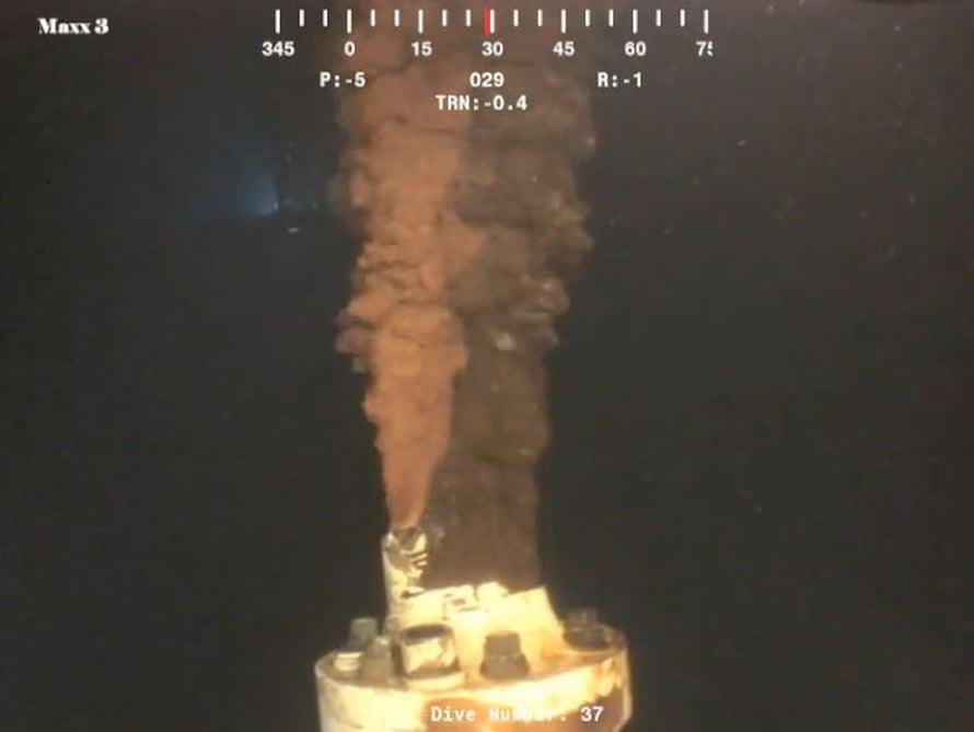 Tutkijat arvioivat tarkoista videokuvista, kuinka paljon öljyä Deepwater Horizonin lähteestä pääsi mereen.