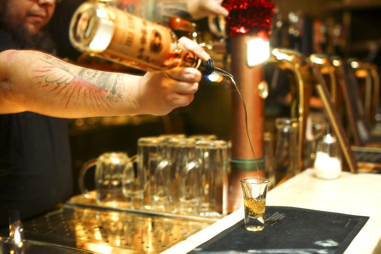 Pienikin säännöllinen juominen heikentää älyllisiä kykyjä. Kuva: Seppo Kärki