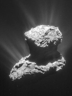 """Rosetta-luotain tutki komeetta 67P/Churyumov-Gerasimenkoa lähietäisyydeltä, ja laskeutuja Philae pääsi sen pinnalle. Kuva: <span class=""""photographer"""">Esa</span>"""