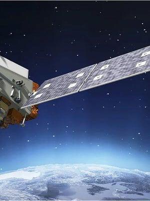 """Sääsatelliitti Noaa-20 havaitsi huikean kylmyyden Tyynellämerellä kieppuvan myrskyn yläkerroksissaa. Kuva: <span class=""""photographer"""">Ball Aerospace</span>"""