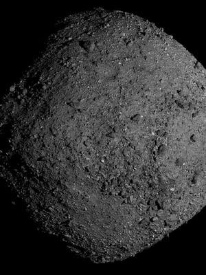 """Bennu on noin 500 metriää leveä, timantin muotoinen pikkuasteroidi, joka matkaa tällä hetkellä yli 300 miljoonan kilometrin päässä Maasta. Kuva: <span class=""""photographer"""">Nasa</span>"""