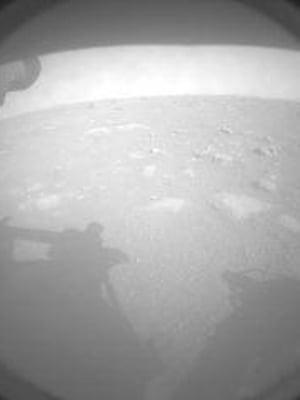 """Perseverance-mönkijän lähettämä kuva Marsista. Kuva: <span class=""""photographer"""">Nasa</span>"""