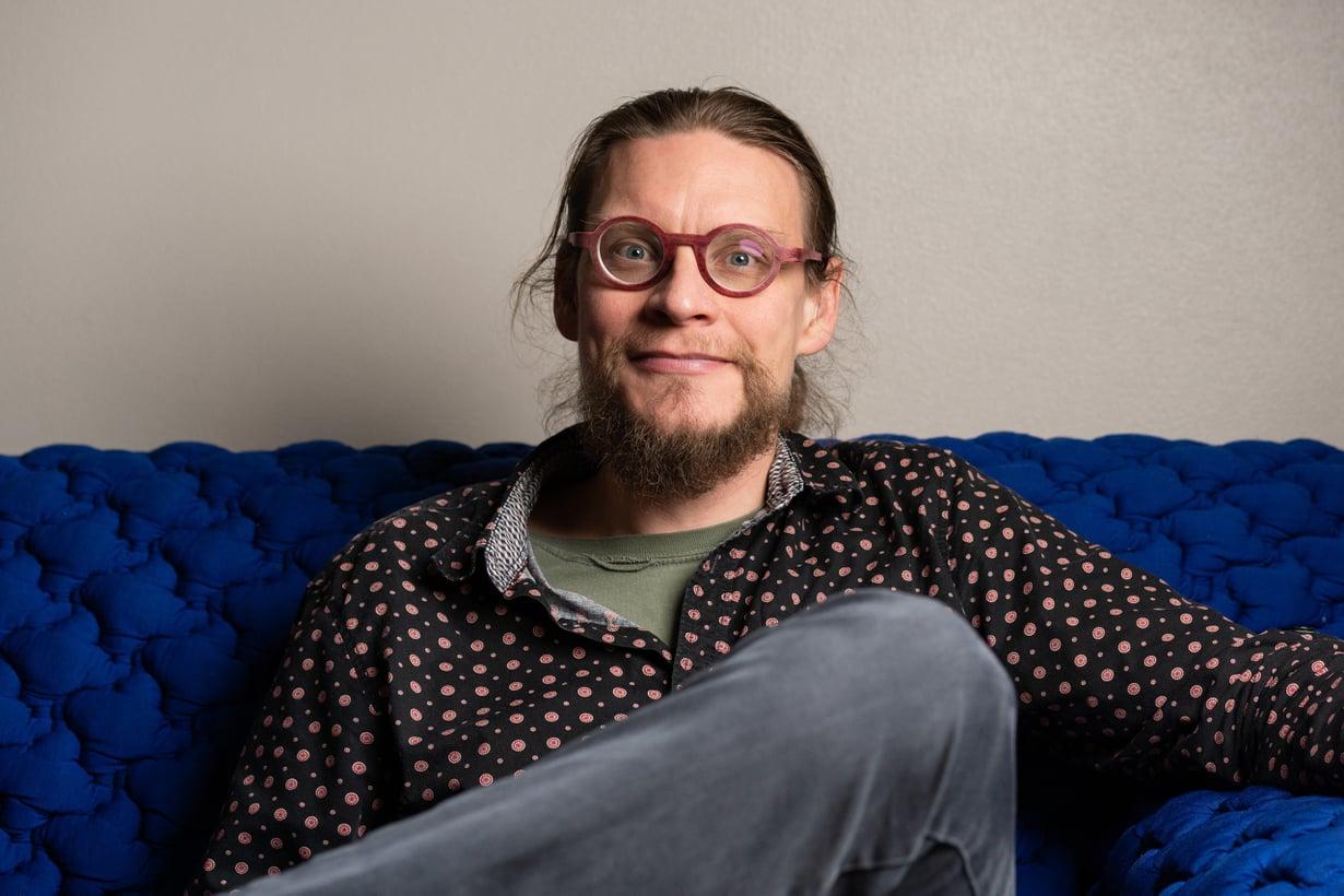 Nelikymppinen isä on erilainen kuin parikymppinen, professori Mikko Myrskylä tietää.