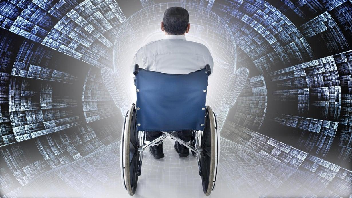 Uudessa kokeessa moniraajahalvaantunut pystyi muuttamaan ajatuksiaan kirjoitukseksi tietokoneen avulla. Kuva: Kimmo Taskinen / HS
