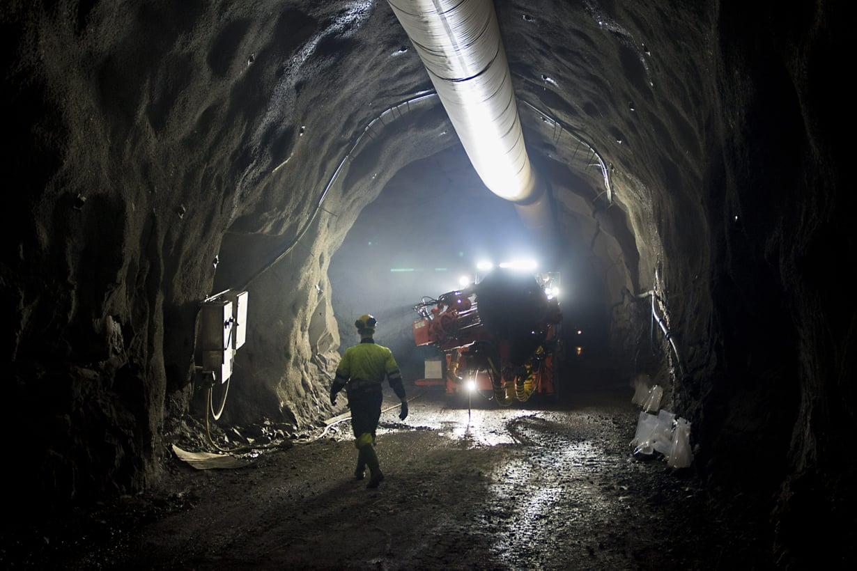 Maassamme tuotetaan 9 000 kilogrammaa kultaa vuodessa. Sitä varten louhitaan kahdesta kolmeen miljoonaa tonnia kiveä. Kuva: Lehtikuva