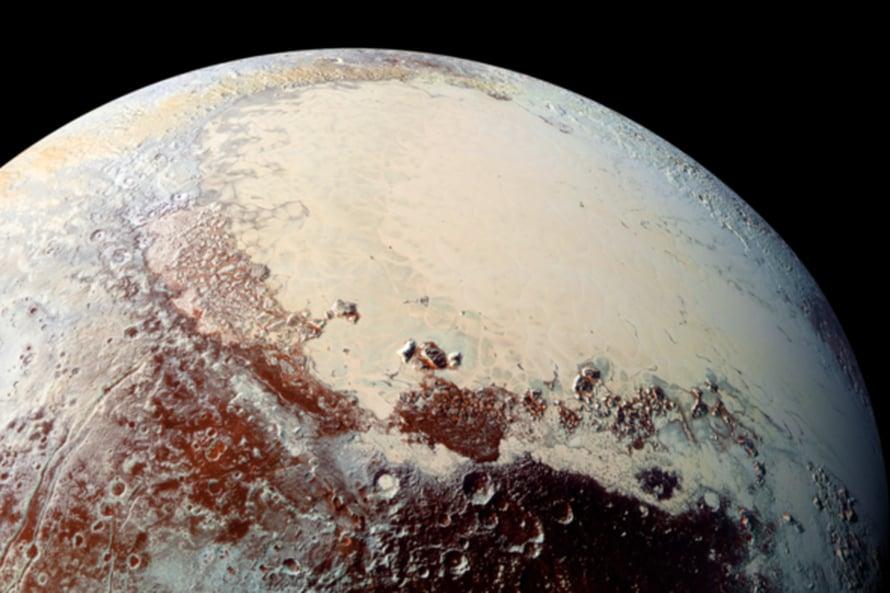 """Pluton sydämeksi sanotun alueen """"vasen kammio"""" kiinnostaa tutkijoita. Alla on ehkä valtameri. Kuva: Nasa"""