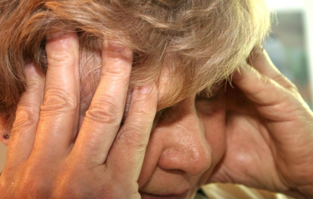 Naisista 15 prosenttia ja miehistä viisi prosenttia potee migreeniä. Kuva: Kimmo Taskinen