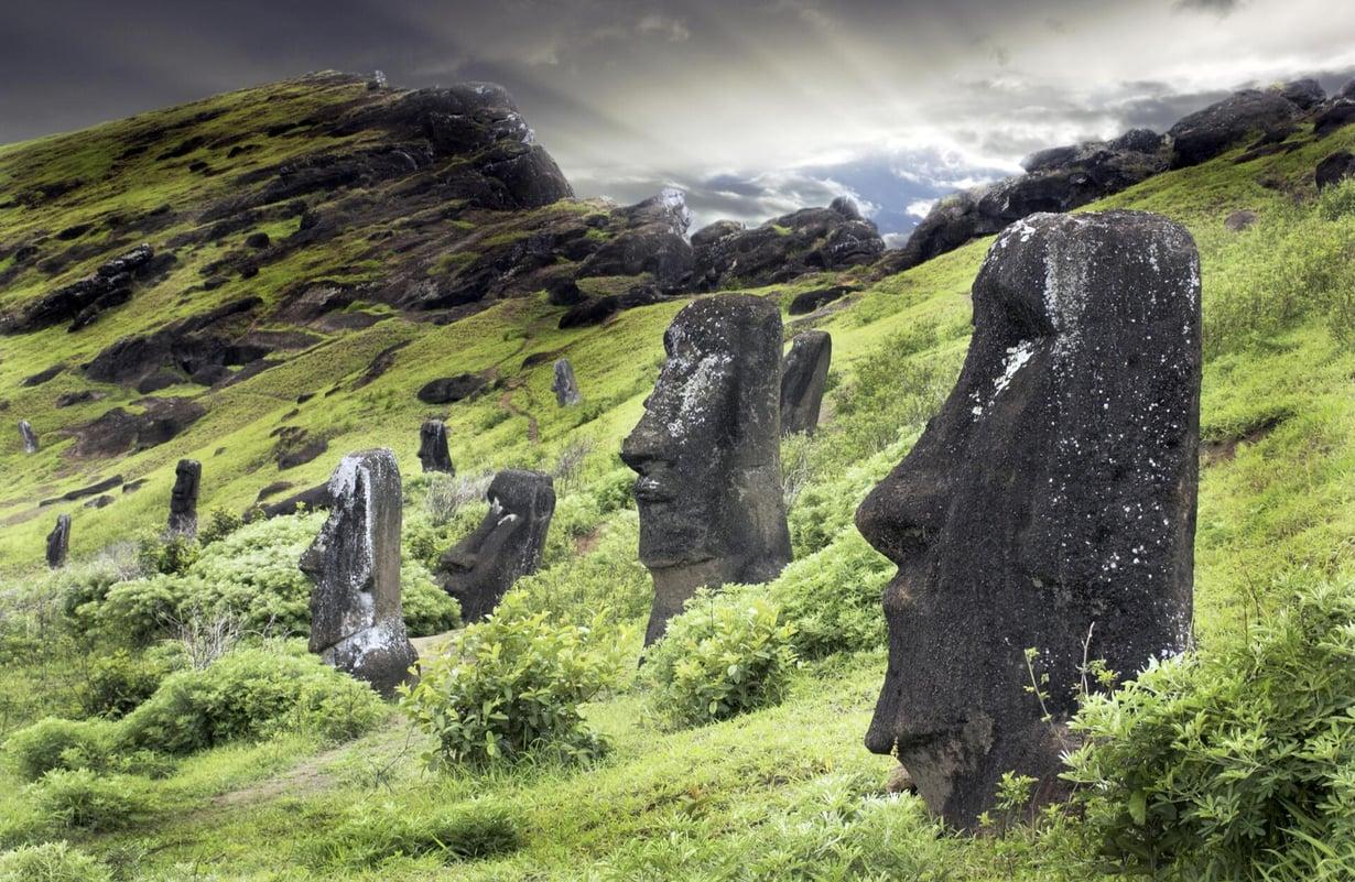 Hyvin syrjäinen Pääsiäissaari eli Rapa Nui asutettiin Polynesian saarista viimeisten joukossa, noin vuonna 1100. Kuva: Science Photo Library