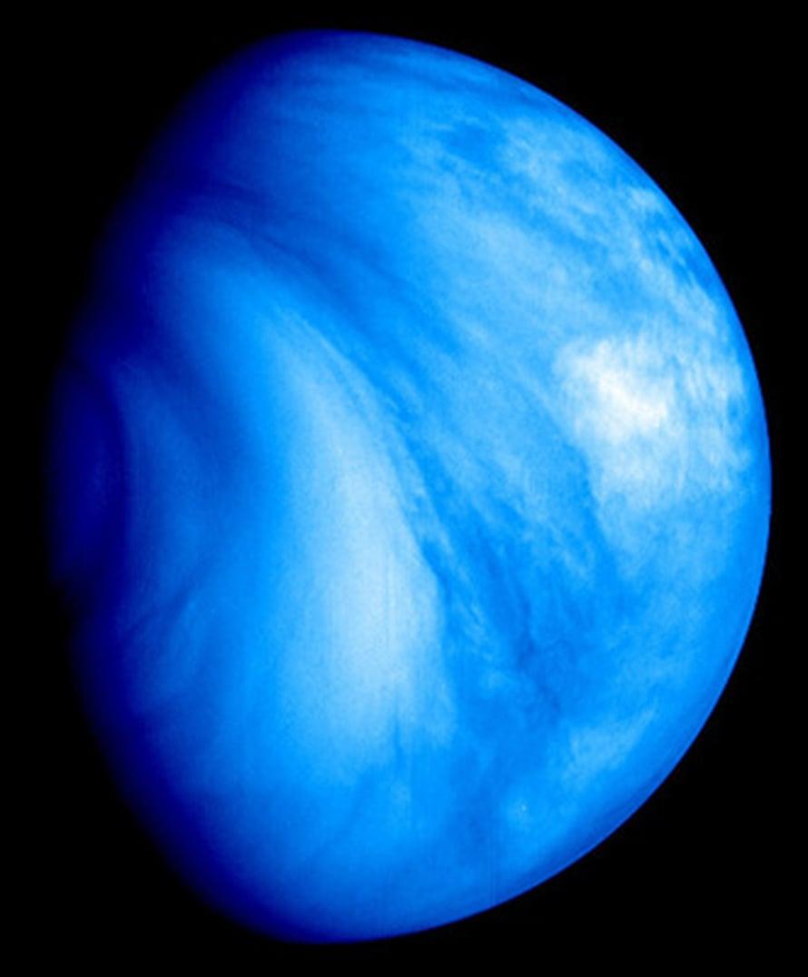 """Venuksen eteläinen puolisko ultraviolettivalossa. Kuva: <span class=""""photographer"""">ESA © 2007 MPS for VMC Team MPS/DLR-PF/IDA.</span>"""