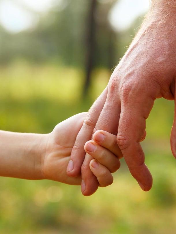 """Isien ikävät kokemukset ulottuvat pitkälle. Kuva: <span class=""""photographer"""">Shutterstock</span>"""