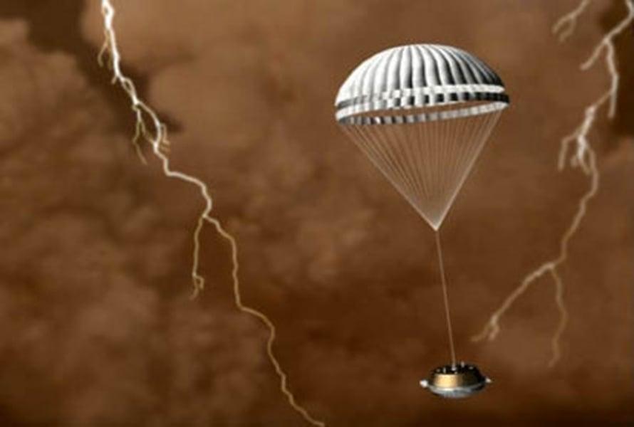 """Huygens laskeutumassa Titaniin 2005. Kuva: <span class=""""photographer"""">Esa.</span>"""