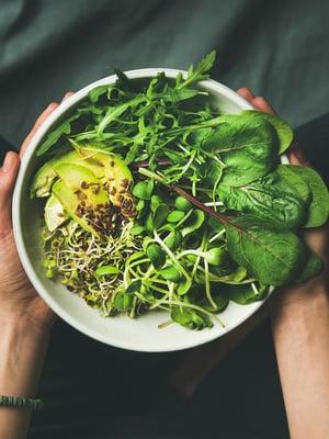 Kasvisruoka pitää hoikkana, ja se voi olla yksi syy, miksi etenkin vegaaneilla tulee enemmän murtumia.