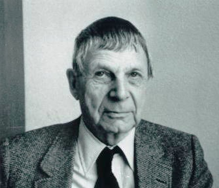 Lars Ahlfors (1907-1996), Wikimedia Commons.