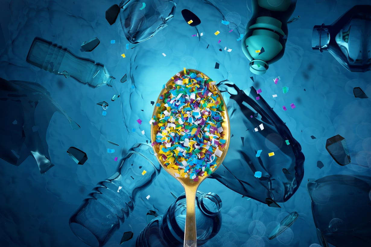 Suurimmat mikromuovit ovat puolisenttisiä ja pienimmät millimetrin miljoonasosaa pienempiä nanomuoveja.