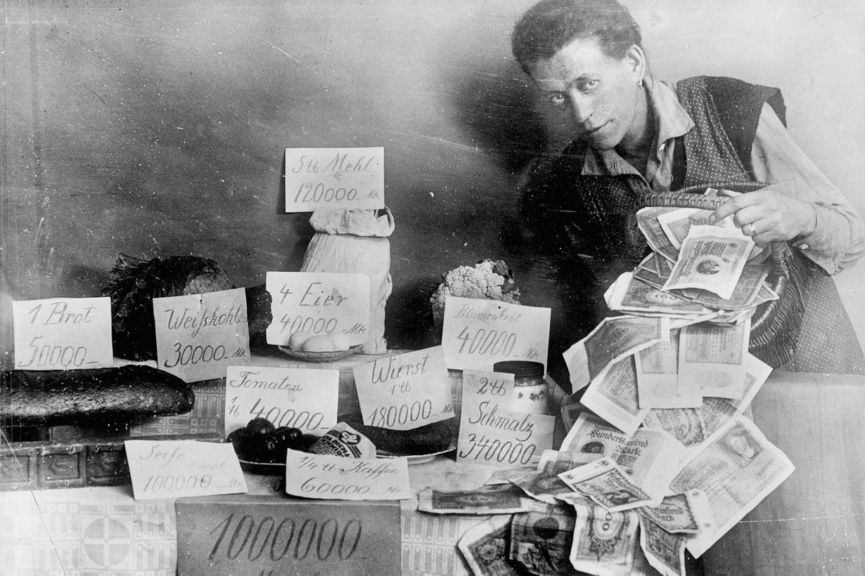 1923: Elintarvikkeet maksoivat jo iltapäivällä enemmän kuin aamulla. Kuva: Alamy/MVPhotos